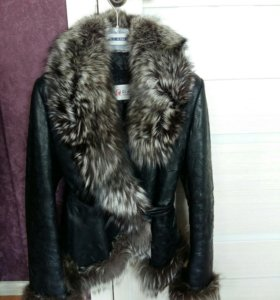 Кожаная зимняя осенняя куртка с мехом чернобурки