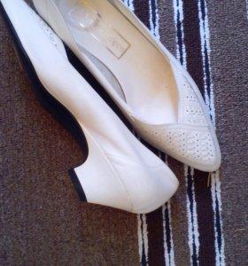 Туфли свадебные (новые).