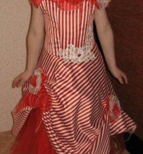 Платье праздничное/ на выпускной в детском саду