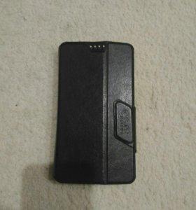 Универсальный чехол на смартфон.