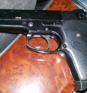 Пневматическай пистолет