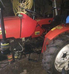 Трактор дон фенг
