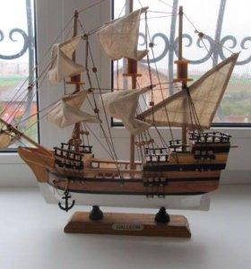 Модель корабля Spanish Galleon