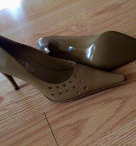 Новые туфли лодочки 37 р