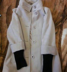 Продам пальто весна-осень