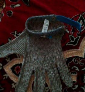 Защитные перчатки из кольчужной сетки