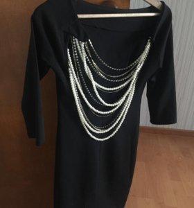 Черное платье облегающее с открытой спиной