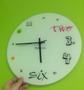 Часы momento из красного куба