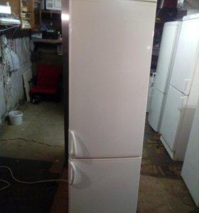 "Холодильник""UPO"" из Финляндии."