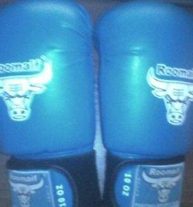 Перчатки боксерски Roomaif 10 oz