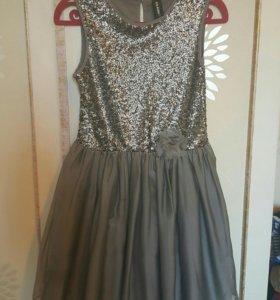 Нарядное платье на 158 см