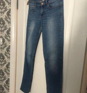 Фирменные джинсы MNG