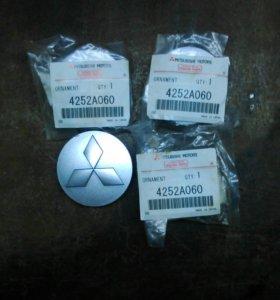 Декоративные колпачки (заглушки) на литые диски.
