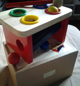 Игра детская деревянная(веселые шарики)