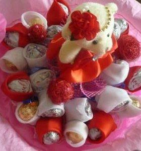 Украшение к праздникам из конфет
