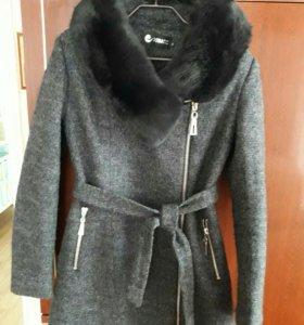 Пальто мех лиса новое