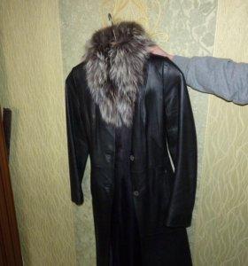 Пальто из натуральной кожи и меха