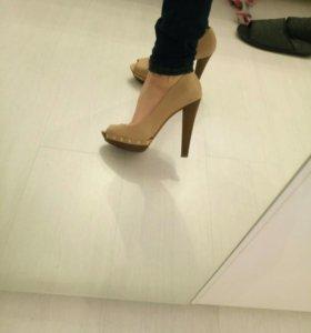 Туфли босоножки страдивариус