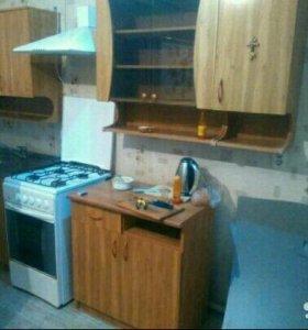 Продаётся кухонный гарнитур с мойкой