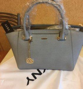 Новая сумка DNKY