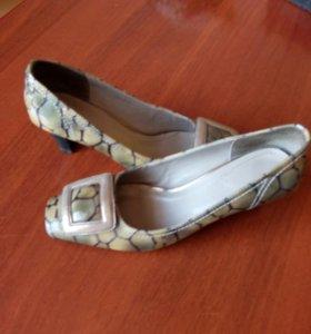 Туфли лаковые (натуральная кожа) б/у 1 раз