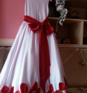 Платье на выпускно в садик .торг