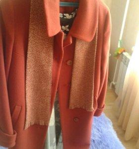 Пальто с шарфиком