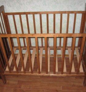 Детская кроватка с матрацем и балдахином