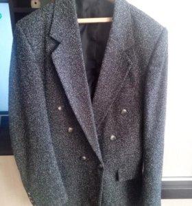 Мужские пиджаки и жилетка