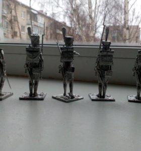 Оловянные солдатики ручной работы.