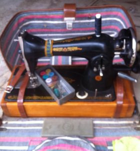 Швейная машинка ручная