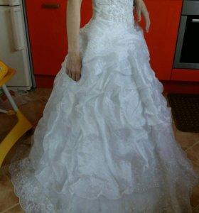 Счастливое свадебное платье р. 42-44
