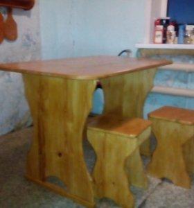 Стол и два стула...
