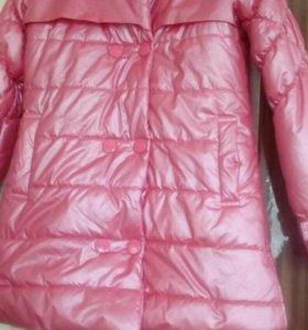 Пальто розовое Pelican.Весна