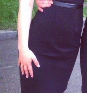 Маленькое чёрное платье xs