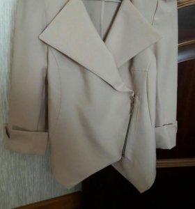 Модный пиджак из трикотажа