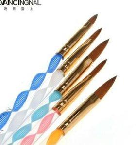 Кисточки для ногтей