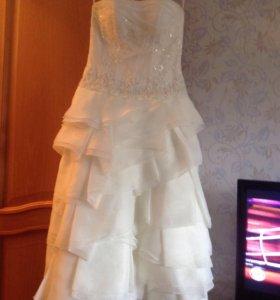 Свадебное платье , фата.