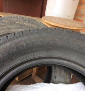 Dunlop 235/65R17 ЗИМА