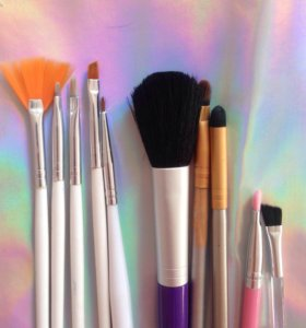 Кисти для макияжа и маникюра