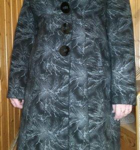 Пальто весна-осень 48 р-р