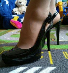 Туфли лаковые Aldo