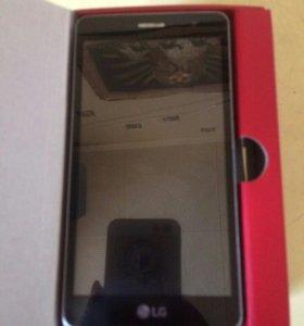 Смартфон LG Max