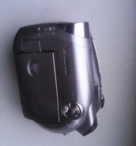 Продам видеокамеру Canon dc 220