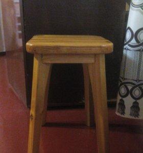 Деревяные стулья