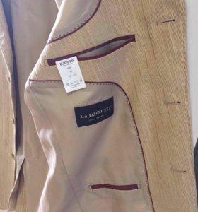 Пиджак мужской,костюмный,с замшевыми вставками
