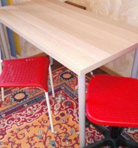 Продам стол маникюрный и стулья