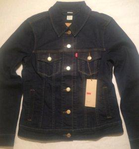 Женская куртка Levis S