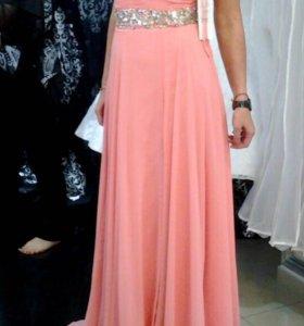 Платье от бренда Jovani