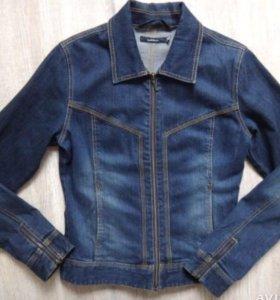 Джинсовый пиджак куртка женская S в о/с